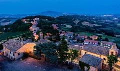 Offagna - Marche - Italy (Johann Glaes) Tags: borderfx offagna marche italie italy italia medieval city cityscape night blue hour heure bleue longue pose long exposure