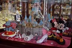 Disneyland Visit - 2016-07-17 - Main Street - Crystal Arts - Crystal Encrusted Figures (drj1828) Tags: us disneyland visit 2016 anaheim mainstreet crystalarts swarovski arribas