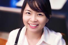 Ms Lien (Phn Chua) Tags: summer girl smile night photography photo eyes women pretty vietnamese dof pentax bokeh indoor vietnam kfc lovely 55 retouch saigon blend snor ssfoto