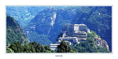 Valle d'Aosta (4) (Jambo Jambo) Tags: fortedibard bard valledaosta aosta forte fort montagne mountains panorama landscape sonydscrx100 jambojambo