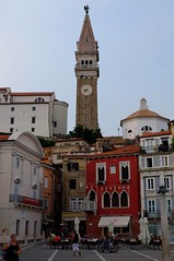 Piran (1) / Eslovenia / Slovenia (Ull mgic) Tags: piran istria eslovenia slovenia campanar campanario torre plaa plaza edifici arquitectura nucliantic carrer fuji xt1