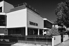 Richmond Magistrates' Court / II (Images George Rex) Tags: london richmond uk tw92rf modernism modernist white concrete glcarchitectsdepartment england photobygeorgerex unitedkingdom britain imagesgeorgerex bw
