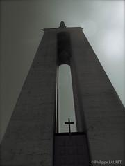 Cristo Rei (Philippe LAURET, Paris) Tags: pays dieu lisboa lisbonne god christroi cristorei statue monument architecture edifice portugal almada setúbal pt