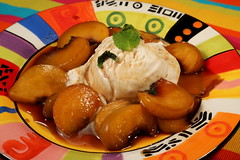 peaches_and_ice_cream_5Div0100 (cold_penguin1952) Tags: dessert peaches icecream