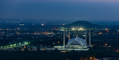 Shah Faisal Mosque at Blue Hour, Islamabad. Pakistan (Aleem Yousaf) Tags: shah faisal mosque margalla hills islamabad pakistan evening blue hour 70200mm telephoto photo walk architecture capital city cityscape islamic art vedat dalokay outdoor