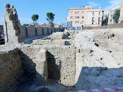 guided tour- the Roman wall (Marlis1) Tags: tortosacataluaespaa panasonictz71 marlis1 dig archeology romans