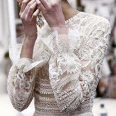 Naeem-Khan-Cool-Chic-Style-Fashion (Cool Chic Style Fashion) Tags: naeemkhan lacedress fashion hautecouture details style
