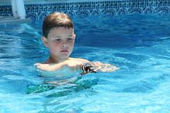 1E7A5479 (anjanettew) Tags: swimming diving kids pool summer fun twins sillykids splashing babypool