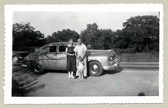 1949 Lincoln Cosmopolitan (Raymondx1) Tags: vintage us usa america vintageusa classic black white blackwhite sw photo foto photography automobile car cars motor vehicle antique auto family aunt uncle dress shirt child childhood lincoln 1949lincoln cosmopolitan 1940s forties