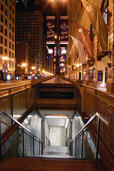Chicago Red Line, IL (Flashlight to Streetlight) Tags: subway elevatedtrain chicago metrorail cityscape landscape nightscape nightphotography longexposure nightshot city innercity