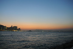2012  (last eventide in 2012) (Dickson Lam) Tags: sunset sea night hongkong nikon harbour  j1 2012  eventide nikon1