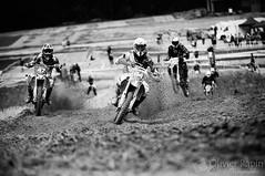 Au taquet (Olivier Rapin) Tags: white black noir suisse swiss sony sigma moto alpha motocross mx blanc 70200mm vaud 580 broye romandie cfm chevroux fribourgeois