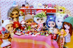 1 Day to Chinese Lunar New Year..... (Kewty-pie) Tags: bear food kitchen reunion modern dinner miniature strawberry good redhead drinks luck totoro domo lou libby troll blythe persimmon icy custom rement cinta licca sadako frieda helmets shortcake uneeda vintagedoll sweetdays therose angelgarden linusvanpelt wishniks chantillylace ericafustero vintagekenner wandafrog drblythenstein dollymixx yarnhead kobitozukan taradolls sweetpuppet petitchatgris billiej