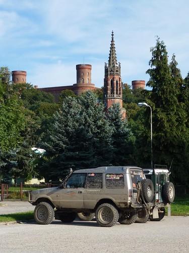 Wieże zamku i kościoła poewangelickiego w Kamieńcu Ząbkowickim