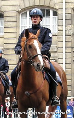 bootsservice 12 7574 R1 (bootsservice) Tags: horses horse paris cheval spurs uniform boots police gloves cavalier uniforms rider policeman bottes riders chevaux uniforme policemen cavaliers policier uniformes gants policiers police riding boots eperons nationale