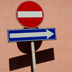 To be or Not to be (gibel49) Tags: blu rosa rosso bianco negativo segnali segni torrefaroff