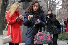 bittersweet (omoo) Tags: newyorkcity girls cupcakes westvillage streetscene sexandthecity bakery blonde magnolia girlfriends bittersweet greenwichvillage redcoat bustour magnoliabakery abingdonsquare painedexpressions girlseatingcupcakes west11thandbleecker dscn7764 cupcakesandphotography