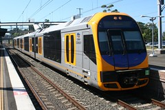 H15 at Thirroul (Matt (thebigman)) Tags: oscar nsw cityrail