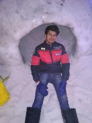 #igloo #iceskating #snow #city #seasons #mall #pune #city #saturday #night #weekend (imvikaskohli) Tags: seasons night city saturday mall snow iceskating pune igloo weekend