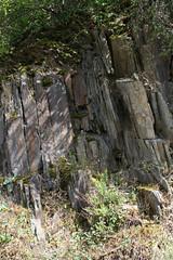 ckuchem-1453 (christine_kuchem) Tags: ahrtal anbau anbaugebiet eifel felsen rotweinwanderweg schiefer schieferfelsen sommer weinanbau weinberg weintraubenanbau weintrauben