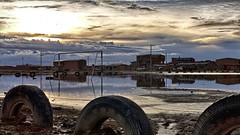 due palleggi al tramonto (Luna y Valencia) Tags: bolivia uyuni sunset puestadelsol tramonto atardecer