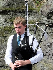 (delta23lfb) Tags: pipes piper bagpipes scotland