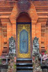 Eternal Guards (TablinumCarlson) Tags: indonesia indonesien bali tr door leica dlux 6 asien asia entry eingang architektur temple tempel venerable ehrwrdig alt old ubud steps treppe stufen eternal guards stone stein