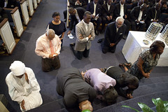 06-25-2016 Divine Service (Atlanta Berean Church - photos.atlantaberean.com) Tags: communion kneeling praying