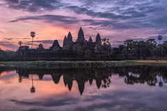 Ancient Imperial Heart; Antiguo Corazn Imperial (Angkor Wat at sunrise) (ChanoSSE) Tags: sunrise angkor cambodia temple sky clouds camboya light