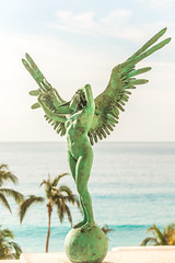 Precious Things (Thomas Hawk) Tags: cabo cabosanlucas hotel jorgemarin loscabos marquis marquisloscabos mexico sculpture wings