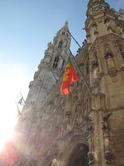 Sun Shining on the Grote Markt (Christopher Daniels) Tags: ifttt 500px belgium brussels grand market grote markt light sun