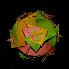 Armored Ball, Toshikazu Kawasaki, open swirls (Aneta_a) Tags: origami kawasaki modularorigami kusudama toshikazukawasaki octahedralsymmetry simplepaper