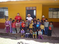 8 niños en la escuela