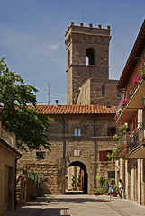 Abbadia San Salvatore (Ciao Anita!) Tags: friends italy tower church abbey gate italia torre toren si belltower chiesa campanile tuscany porta siena toscana hm toscane kerk klooster poort itali abbazia abdij monteamiata abbadiasansalvatore bej bellitalia anticando leuropepittoresque