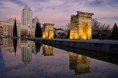Templo de Debod (Pogdorica) Tags: madrid atardecer reflejo templo debod torremadrid cruzadas