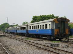 Thonburi (Barang Shkoot) Tags: thailand narrowgauge srt rollingstock nakhonpathom rsr alsthom rotfai thairailways asialatefeb22013 asianrails