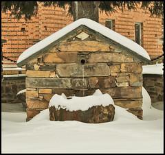 Fuente (monafiliel) Tags: winter españa mountain snow ice water fountain rural canon eos spain stones nieve nevada pueblo fuente invierno montaña león maragatería 550d filiel