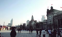 The Bund, Shanghai (lab604) Tags: china old city architecture river asia europe view shanghai walk pedestrians vista 上海 pudong 外滩 kina bund asiasociety korzo