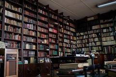 Templarios Bookstore (Juan Chacn) Tags: old history library leer books read libros historia librera antigo