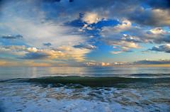 Rising wave (Juampiter) Tags: azul marina atardecer mar agua paz wave dreaming explore cielo nubes olas calma ola celestial orilla nadie tranquilidad ausencia quietud relajante laantilla amarilloyazul cielopolarizado
