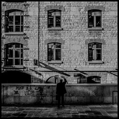 Rue-04-Marseille (AndyNVision) Tags: street bw france film blackwhite marseille fuji minolta nb fujifilm f2 pancake rue 45mm rokkor xe1 vsco lightroom4
