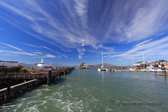 Pier 39 sea and sky (Alexandre Zoppa) Tags: sanfrancisco california city autumn light sea usa sun color luz sol nature canon cores photography mar photo day foto unitedstates natureza parks dia eua sanfranciscobay pier39 fotografia outono estadosunidos parques cidae dreamphoto canont3i