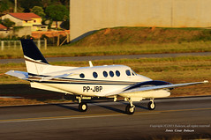 HAWKER BEECHCRAFT KING AIR C90GTI - SBJD/QDV (JONES CESAR DALAZEN) Tags: bay fly avion vliegtuig flygplan   aeroplano kapal lentokone pesawat eroplano lietadlo uak ndege flugvl aeronave letadla awyrennau awyren terbang lktuvas aviadilo letalo my  replgp lietadla  lennuk  zrakoplov flyvemaskine eitlen lidmana   letoun   avyon   aerrtha ajru    sasakyang panghimpapawid aviationairplaneaircraft aviadiloj husidukite     ajruplan avionului