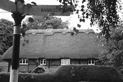 079A2673 (Vanessa Dee) Tags: thatch basingstoke signpost