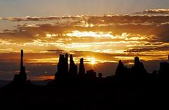 Sunrise @ Monument Valley (ge_mocc) Tags: monumentvalley rocks navajo sunrise sun colors shadows usa utah west atmosphere emotions desert summer 2016 canon eos6d