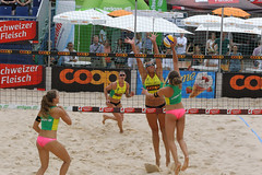 GO4G7233_R.Varadi_R.Varadi (Robi33) Tags: action ball beachvolleyball court block international play sand victory game player sport summer competition show umpire viewers basel switzerland