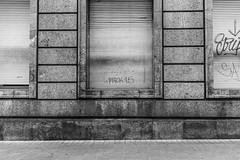 (Emma Swann) Tags: bilbao streetart street graffiti prick