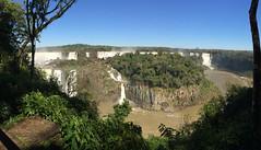 "Les chutes d'Iguaçu <a style=""margin-left:10px; font-size:0.8em;"" href=""http://www.flickr.com/photos/127723101@N04/29015403934/"" target=""_blank"">@flickr</a>"