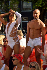 Amsterdam Gay parade, dansers, 2016 (wally nelemans) Tags: amsterdam gaypride homoemancipatie gayliberation botenoptocht dansers dancers nederland holland thenetherlands 2016