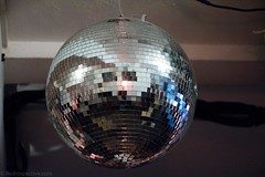 Disco Ball (redrospective) Tags: 20160912 london paperdressvintage concert gig live metal mirrorball music musicians people showcase silver